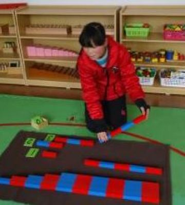 Li-working-on-counting-using-math-manipulatives
