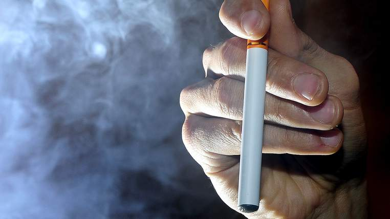 half-a-million-smokers-switch-to-e-cigarettes