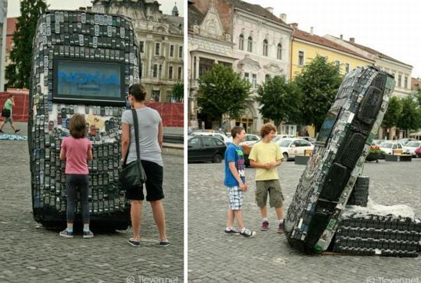 Giant CellPhone Sculpture Created by Romanian Artists