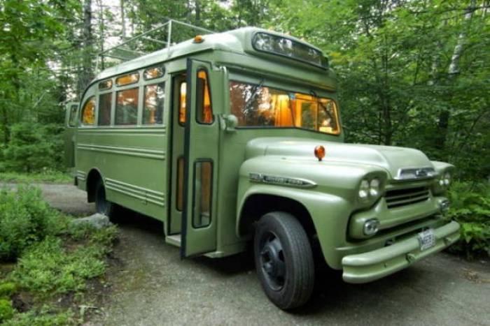 Autobus convertido en un hotel rodante