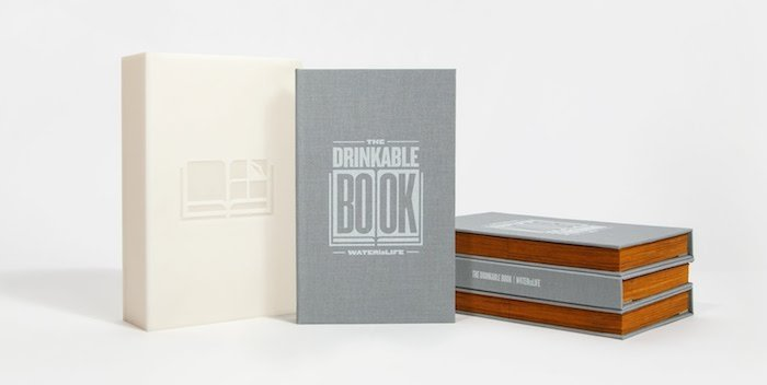 Drinkable Book, el libro para purificar agua portada
