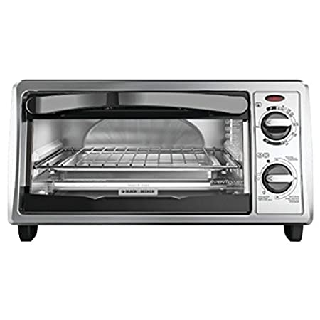 Black And Decker To1322Sbd Toaster Oven Broiler, Black-Chr. This Black and Decker Toaster Oven features exclusive Even Toast Technology, which optimizes interior heat distribution to toast bread up to 30-percent more evenly than leading competitors. ...
