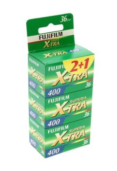 Livres Couvertures de Fujifilm Superia X-TRA 400 Pellicule papier couleur  135 (35 mm)  ISO 400 36 poses 3 rouleaux