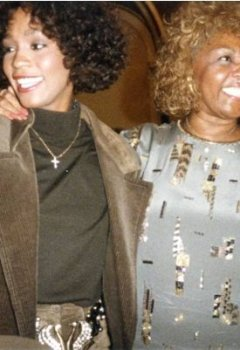 Livres Couvertures de Remembering Whitney: A Mother's Story of Love, Loss and the Night the Music Died