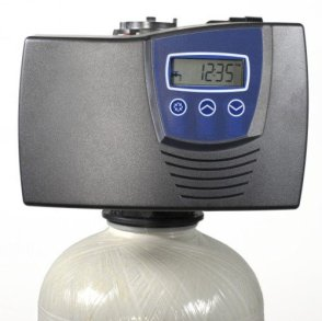 Fleck 7000 Metered Water Softener with 1.25
