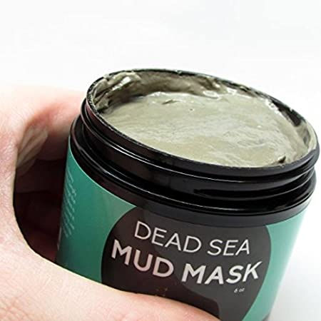 It's so easy to use this Dead Sea Mud Mask by Youthful Star. Simply use the tips of your finger to layer it onto your face. You'll notice by doing it this way, it will also make your hands feel great, too! If you wish, you can use a cleanser before a...