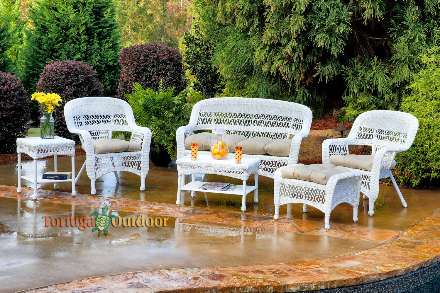 White wicker patio furniture 5 best deals for Best deals on outdoor furniture