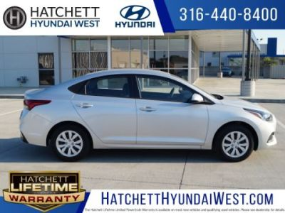 New 2018 Hyundai Accent SE 4D Sedan in Wichita  H18517   Hatchett     New 2018 Hyundai Accent SE 4D Sedan in Wichita  H18517   Hatchett Hyundai  Buick GMC
