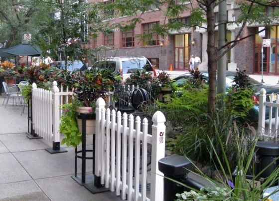 chicago-restaurant-outdoor-sidewalk-dining-garden