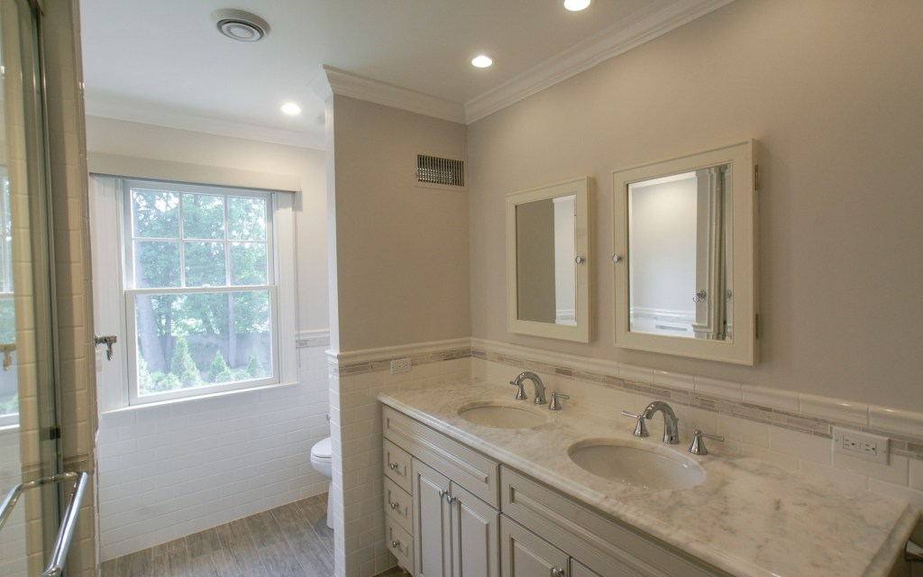 Ed-Ensign-Contracting-Bathrooms-16x10-16