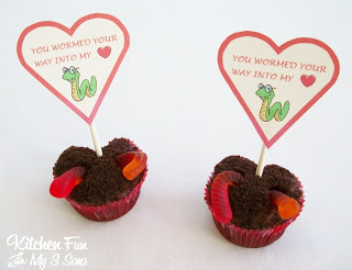 valentines worm cupcakes