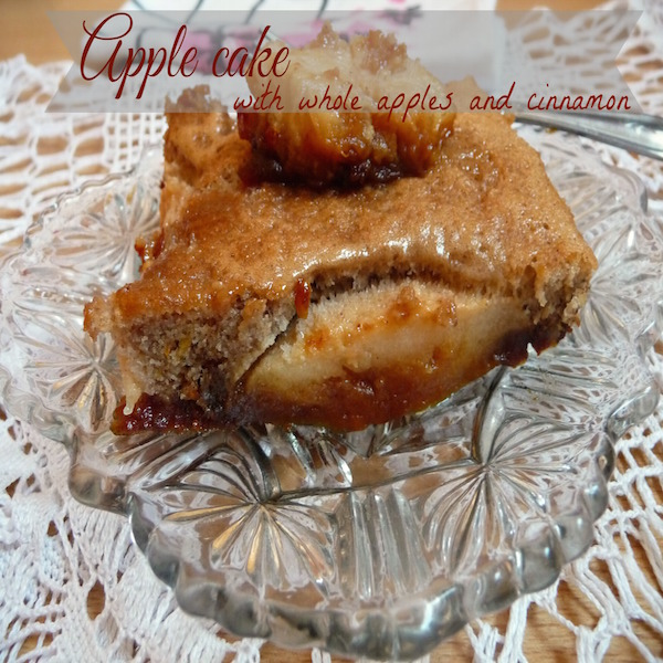 Apple-cake-with-cinnamon-and-whole-apples