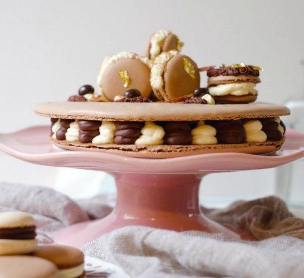 tiramisu macaron cake