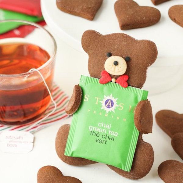tea loving gingerbread bears