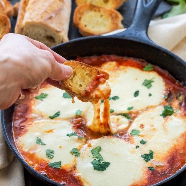 baked mozzarella and marinara dip