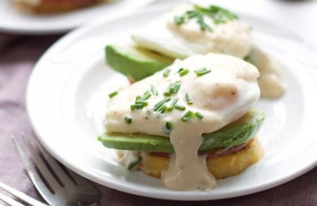 Skinny Avocado Eggs Benedict Polenta Patties