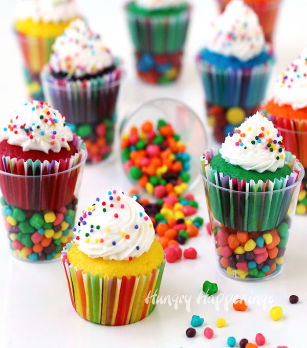 cupcakes-in-plastic-cups-glasses-candy