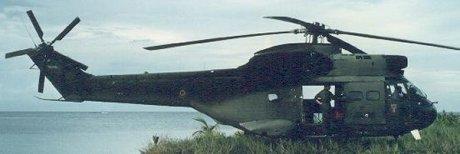 Un Puma de l'armée française en vol