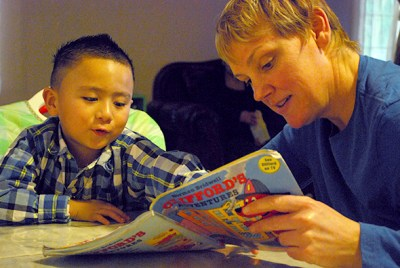 Study says reading aloud to children, more than talking, builds literacy   EdSource