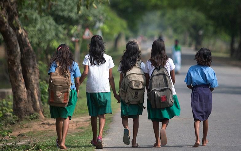 Niñas indias dejan la escuela al tener su primera menstruación (AP Photo/ Anupam Nath)