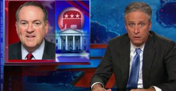 Jon Stewart uses Mike Huckabee to illustrate the Trump-ification of GOP Primary (VIDEO)