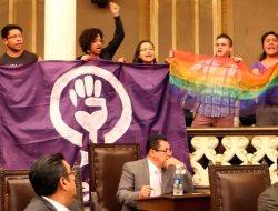 Exigen al Congreso reformas LGBT