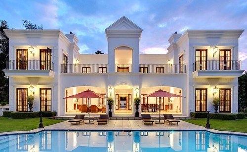 9. Ce poate fi mai frumos decat sa ai propriul tau palat modern?