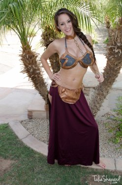 slave leia cosplay bottomless