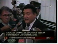 Fernandezconunpiefuera1