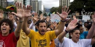 Jóvenes venezolanos le doblan el brazo a Chávez y levantan huelga de hambre