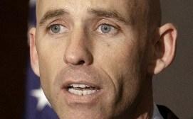Dimite el jefe de campaña de Mitt Romney tras admitir que es homosexual