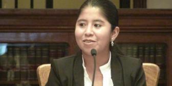 Exviceministra niega que Evo sea su compadre; denuncia que circula falsa invitación