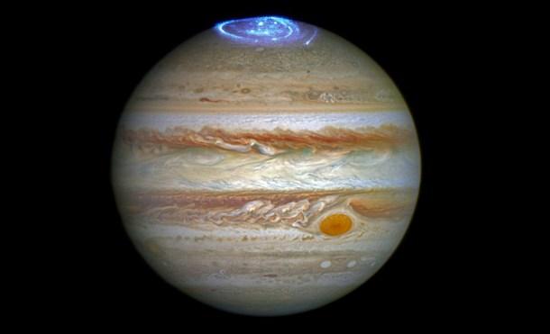 El telescopio Hubble capta las resplandecientes auroras de Júpiter