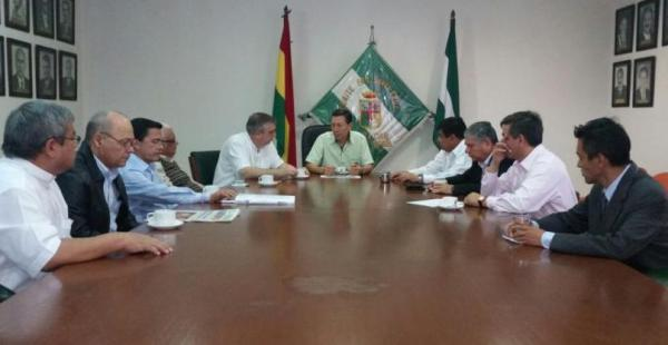 Los postulantes al Rectorado de la René Moreno buscan la mediación del ente cívico