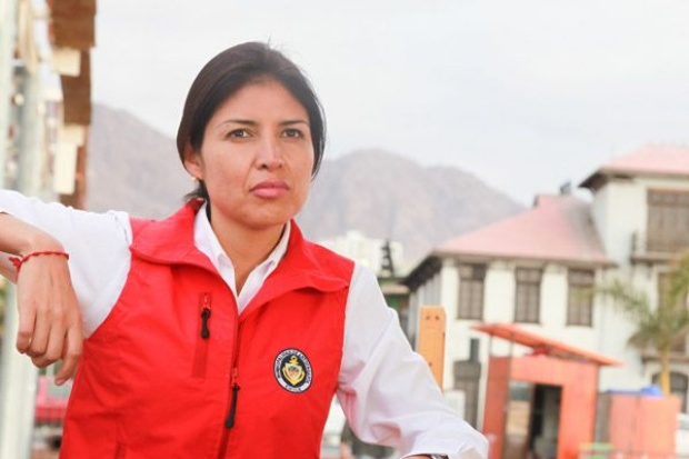 """Alcaldesa de Antofagasta llama a actuar de manera """"hostil"""" contra canciller Choquehuanca"""