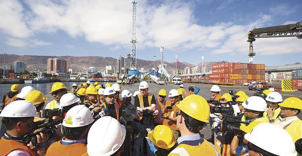 La presencia de la comitiva de Bolivia en los puertos de Antofagasta y de Arica molestó  a los chilenos