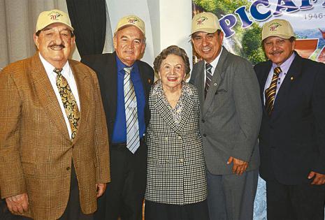 Óscar Ciro Ortiz, Róger Landívar, 'Yoi' Ortiz, que fue la primera madrina Picaflor; Lorgio Peredo y Germán Mendía