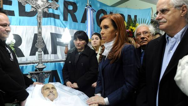 Cristina en el velatorio de Raimundo Ongaro. Foto Télam