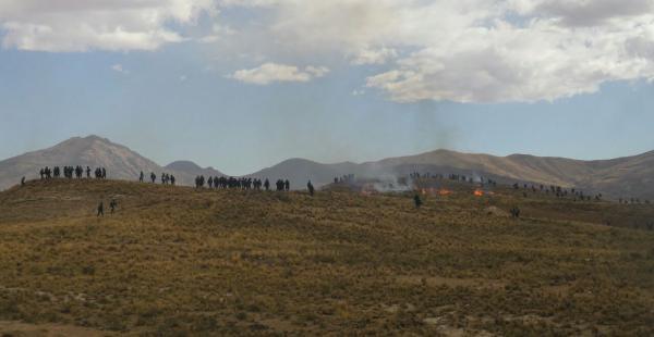 Los uniformados se valieron de agentes químicos para dejar expedita la ruta, los cooperativistas se reagrupan en los cerros.