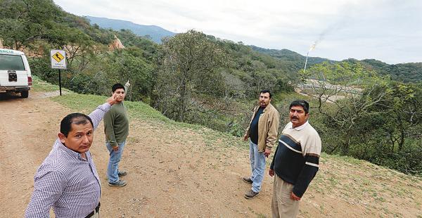 El alcalde municipal Héctor Contreras y el titular cívico de Lagunillas, Edilfonso Cibauti, encabezan el movimiento de defensa por el Incahuasi