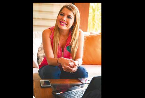 SU LIDERAZGO           SE EXPANDE Maricruz atiende a Sociales&Escenas en una pausa de sus actividades