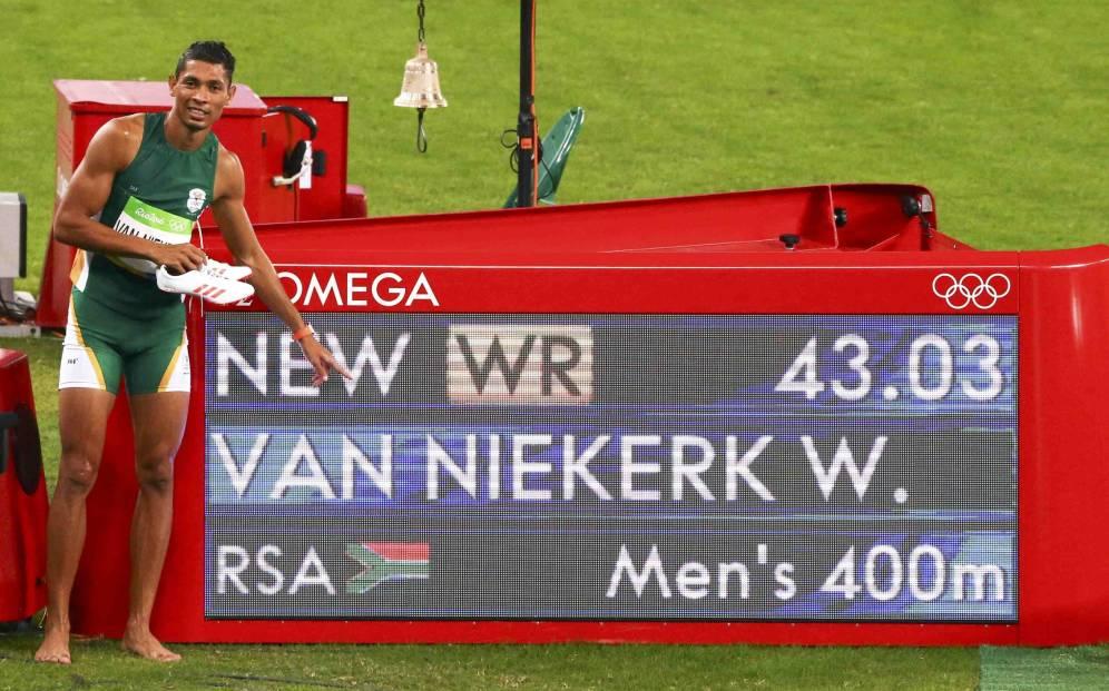Foto: Wayde van Niekerk bate el récord de los 400m de Michael Johnson. (Reuters)