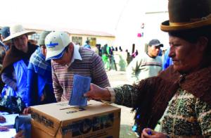"""Proyecto plantea """"financiamiento indirecto"""" para partidos políticos"""