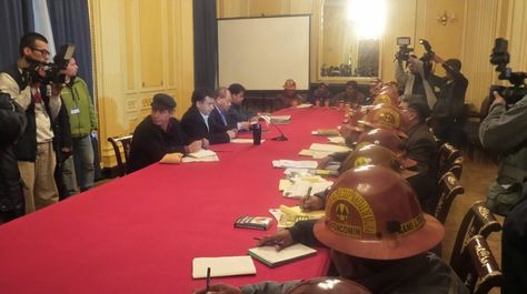 Autoridades de Gobierno y dirigentes de cooperativistas instalan el diálogo