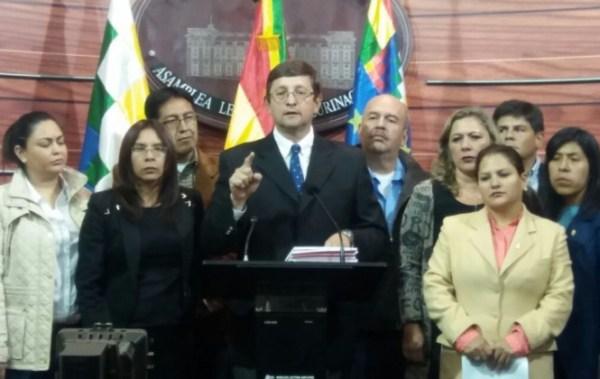 Senador Ortiz solicitó a Bolivia Tv el mismo tiempo que usó Quintana para acusarlo