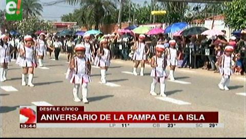 Alcaldía cruceña participa del desfile cívico de la Pampa de la Isla