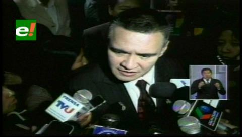 León denunció que quisieron presionarlo para declarar contra la oposición