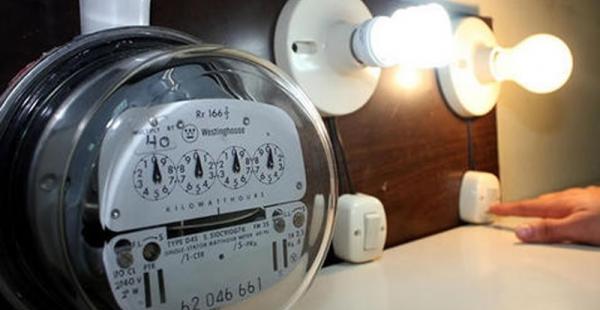 Datos del BID aseguran que aún hay cerca de 2 millones de bolivianos que no tienen electricidad en sus hogares
