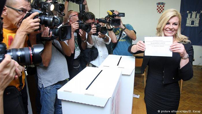 Kroatien Stimmabgabe von Präsidentin Kolinda Grabar Kitarovic