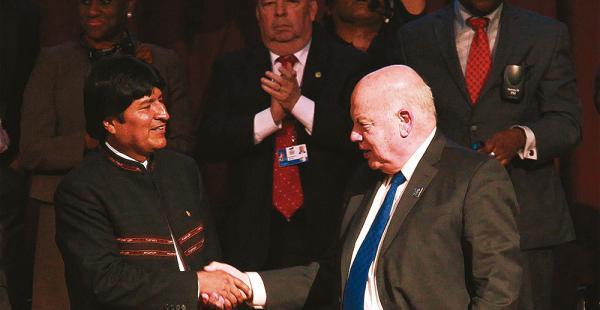 El presidente respondió ayer a Insulza; el chileno calificó de 'impropio' el discurso de Evo